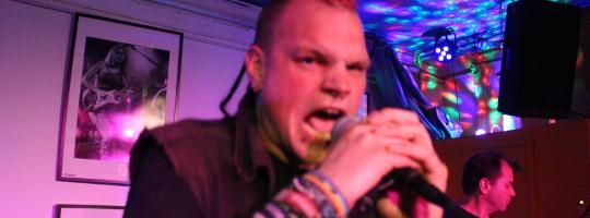 Akustische Körperverletzung mit Sänger Thorsten in der Emma Heilbronn