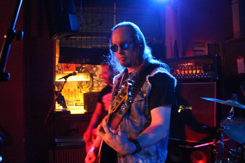 Mr Cool an der Gitarre