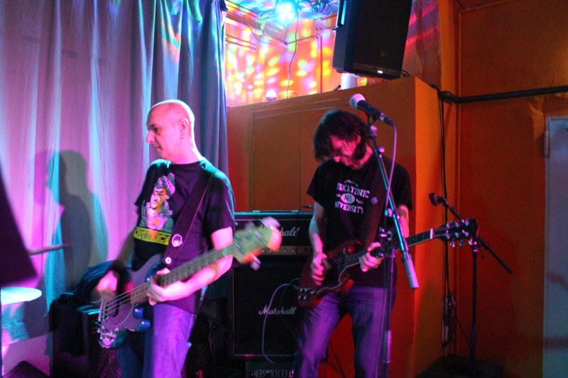 Bassist Kaktus und Gitarrist Günther