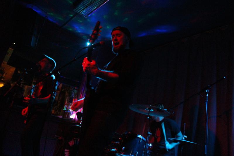 Der Gitarrist übernimmt keinen Lead-Gesang