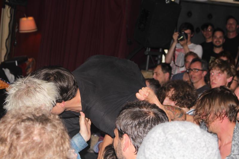 Sänger findet Anschluss an das Publikum