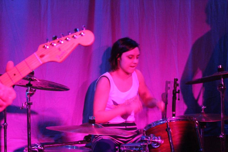Die Gast-Schlagzeugerin
