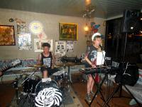 Pissshit: Sängerin und Schlagzeuger im Bierkrug Heilbronn