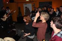 Tanzendes Publikum bei Baba Burnham