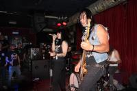 Kelly am Bass spielt auch bei P.R.O.B.L.E.M.S.